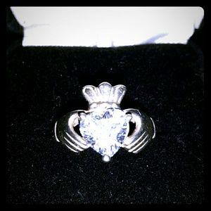 🌟Vtg Irish Celtic Claddagh heart sterling ring